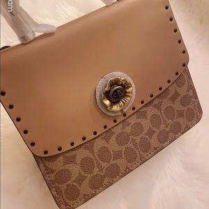 ❣️Coach Parker Handle Bag
